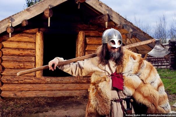 Викинг и его двуручный топор