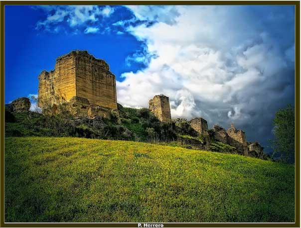 Замок Турон