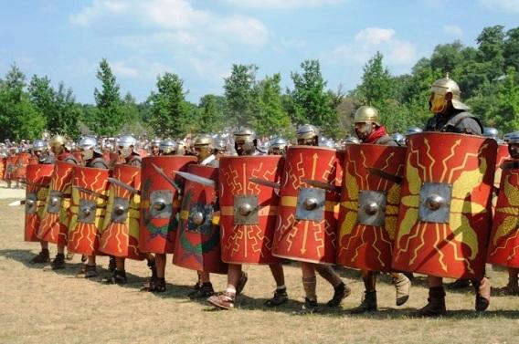Римские легионеры в строю