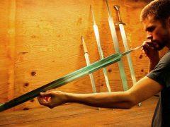 Тот, кто создает мечи