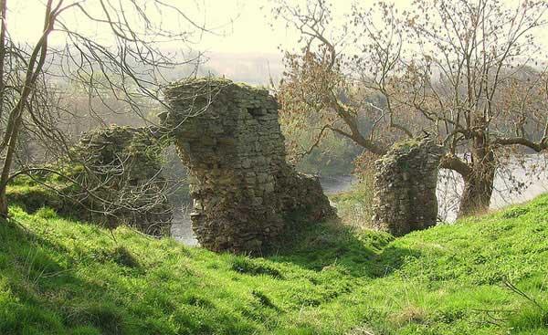 развалины замка Роксбург