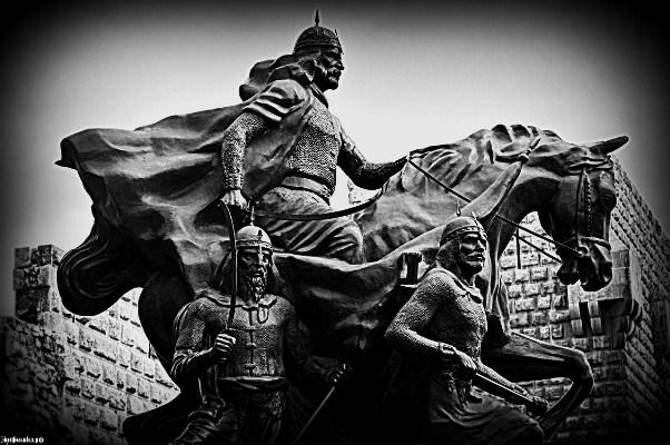Памятник Саладдину в Дамаске, Сирия