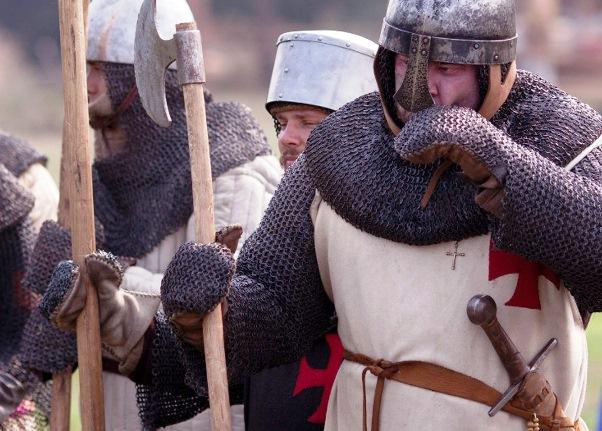 Участники крестовых походов перед боем