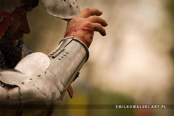 Средневековые рыцари в битве при Таутоне