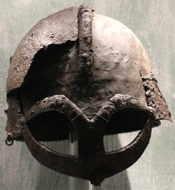 шлем викинга из Гъермундбю_01