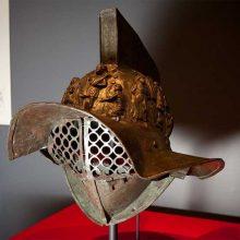 4 шлема гладиаторов