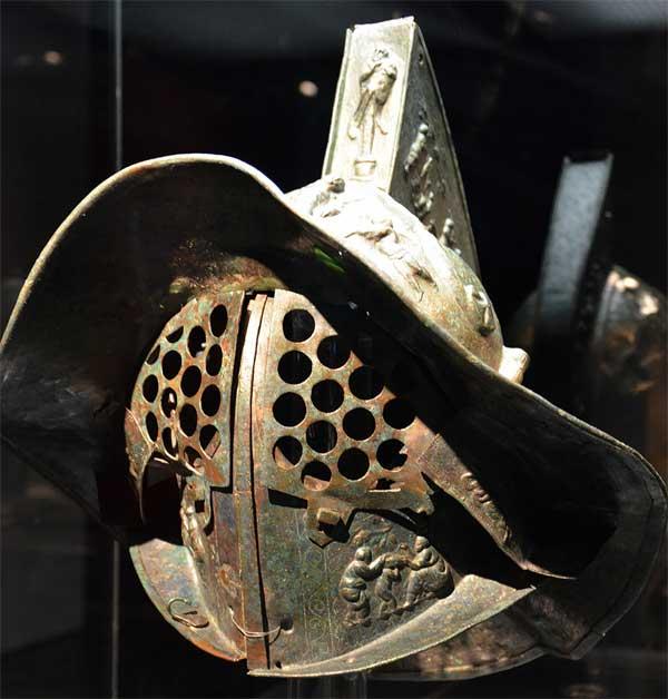 Шлем гладиатора_рельеф