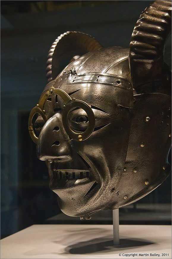 Рогатый шлем короля Генриха VIII_001