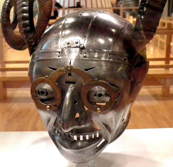 Рогатый шлем короля Генриха VIII_004