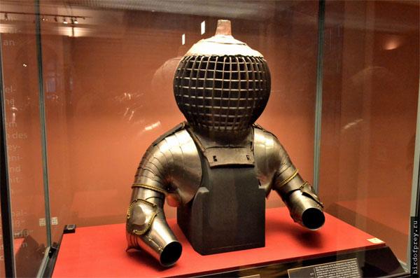 оружие рыцарей кольбен повлияло на форму шлема