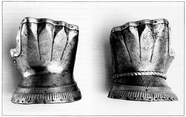 латная рукавица-001