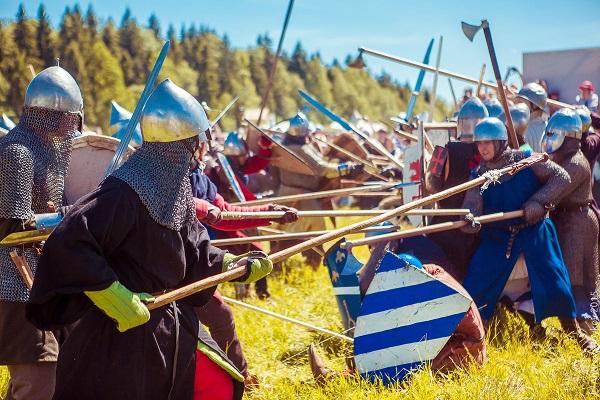 Средневековая война