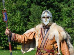 Шлем из Саттон-Ху: железное лицо Темных веков